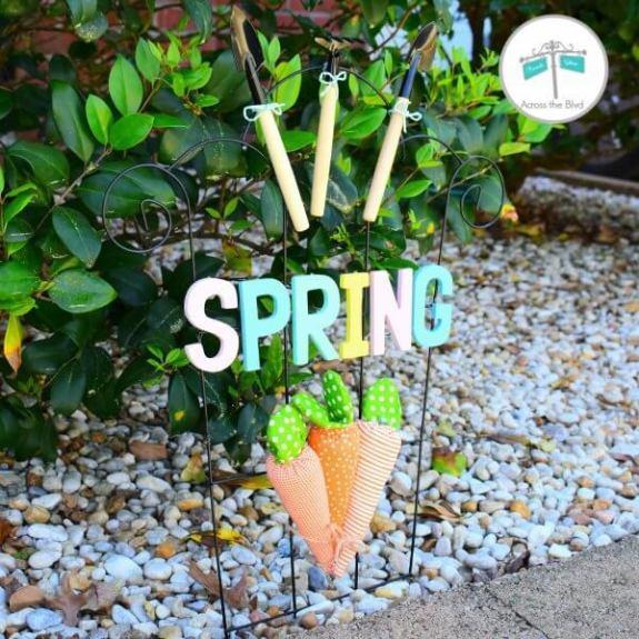 Week 219 - Spring Garden Trellis from Across the Blvd.