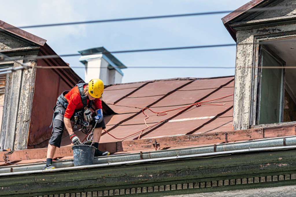 individual cleaning roof