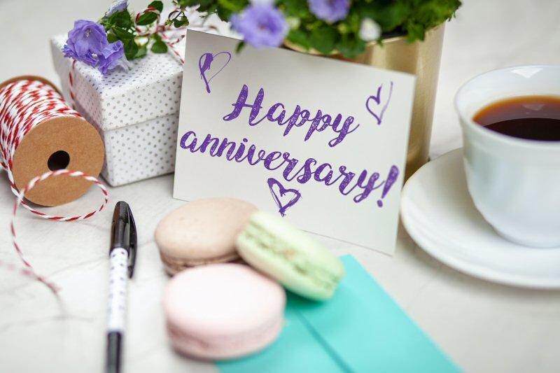 amazing anniversary gifts