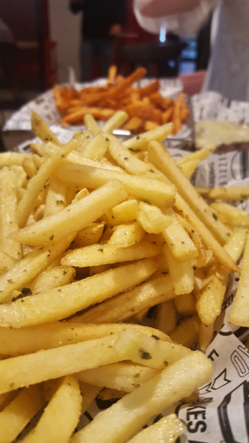 fries with garlic and olive oil