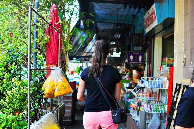 Bangkok, Thailand >> Life In Limbo