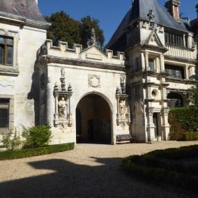 family-adventure- lifeinourvan - chateau engime - 1 (20)