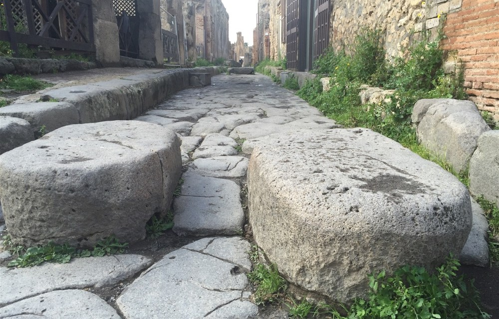 Motorhoming in Italy   Visiting the unmissable Pompei