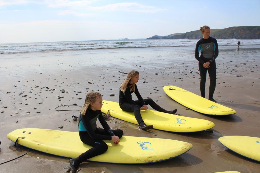 Surfing - 37-min