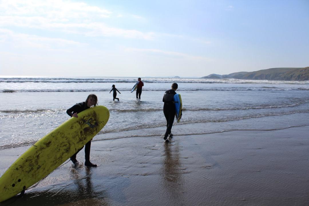 Surfing - 47-min
