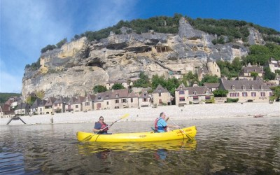 LifeinourVan's girls take their grandparents kayaking on the River Dordogne