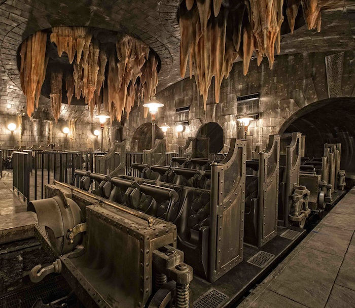 _resources_digitalassets_HP and the Escape from Gringotts 2_LR