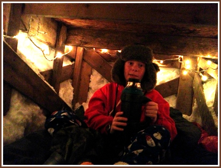 Ultimate Snow Fort, Hot cocoa in snow fort, sleep in snow fort