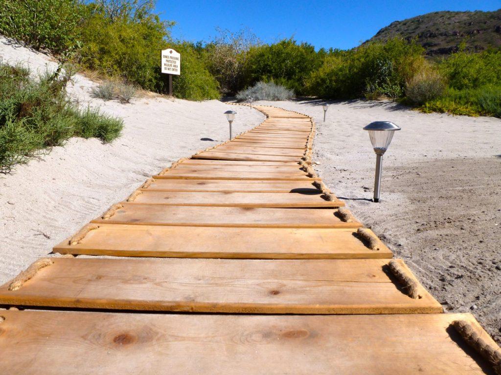 Villa Del Palmar Loreto Mexico, walkway to beach