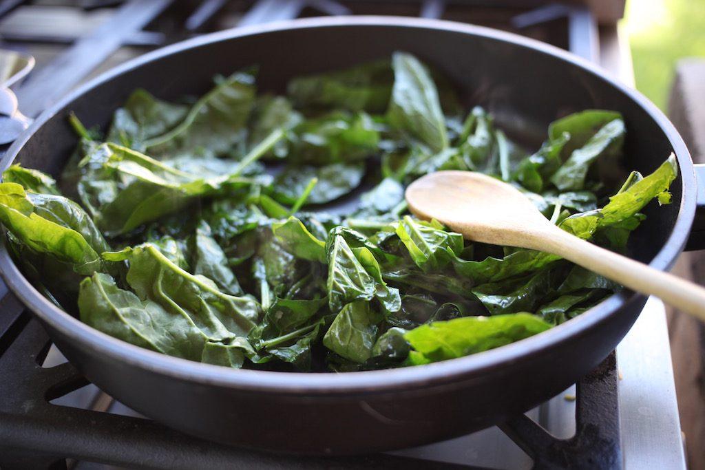 Greek Picnic Salad, Spinach, Garlic