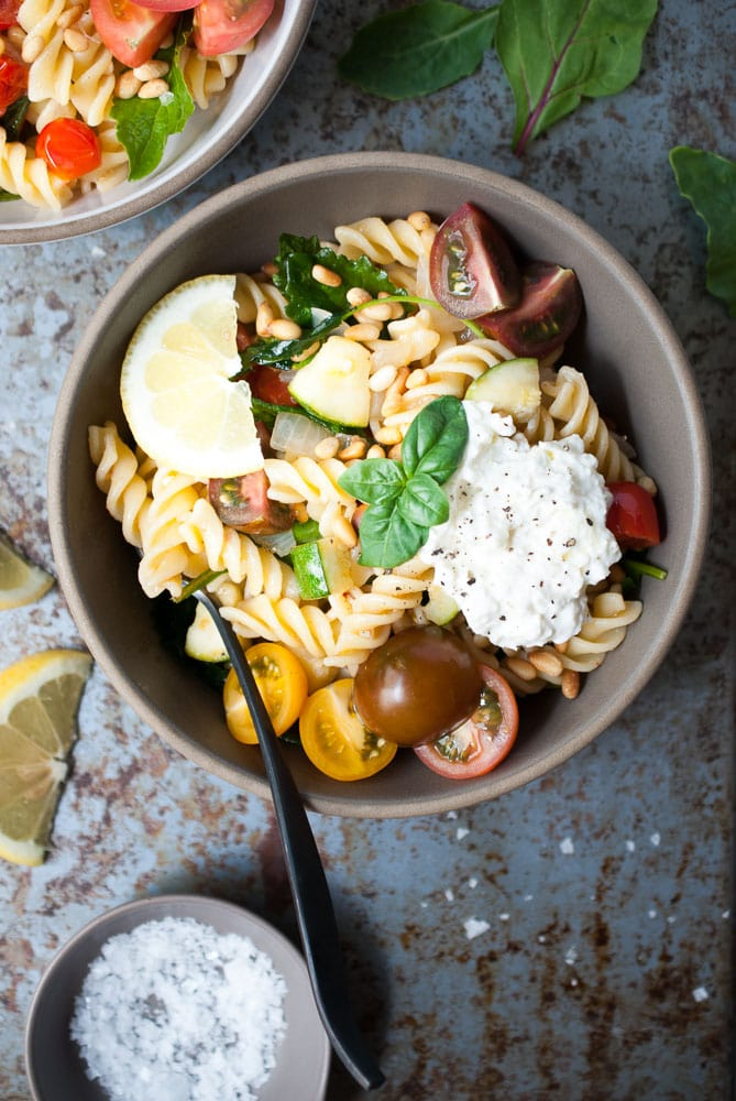 Simple Lemon Fusilli with Zucchini, Tomatoes, & Spinach