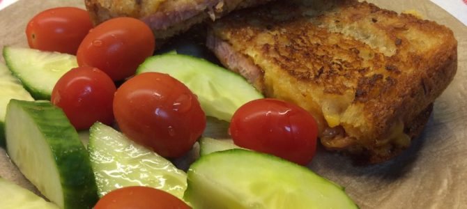 Dinner in 15 min – grilled ham and Cheese – comfort food! #Dinnerin15
