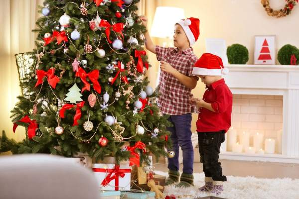 5 Reasons I Put Up My Christmas Tree Before Thanksgiving ...