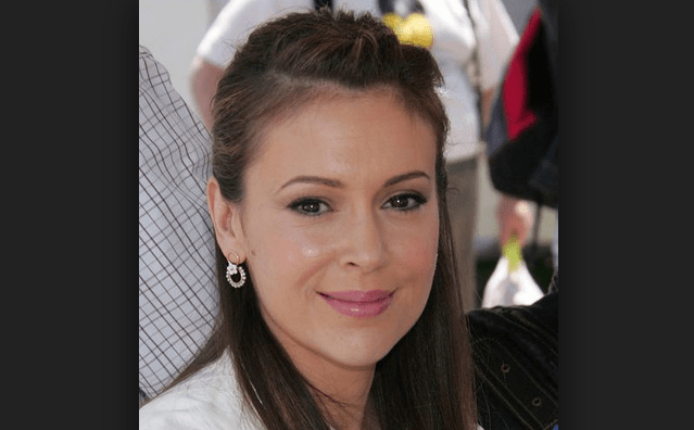 Alyssa Milano Trashed Brett Kavanaugh, But Defends Joe Biden After He's Accused of Sexual Assault