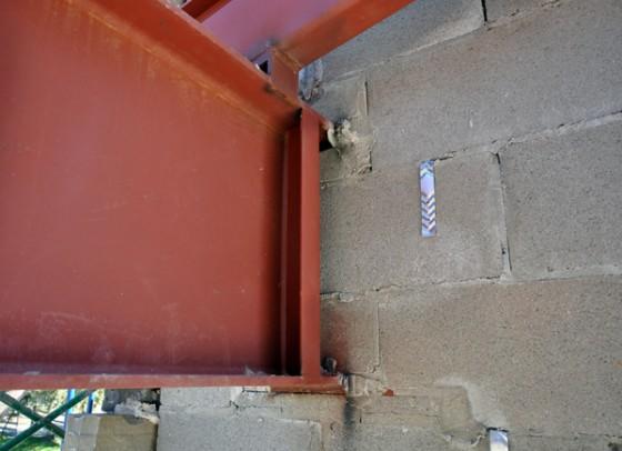 Cottonwood Modern - steel beam pocket detail at stone wall