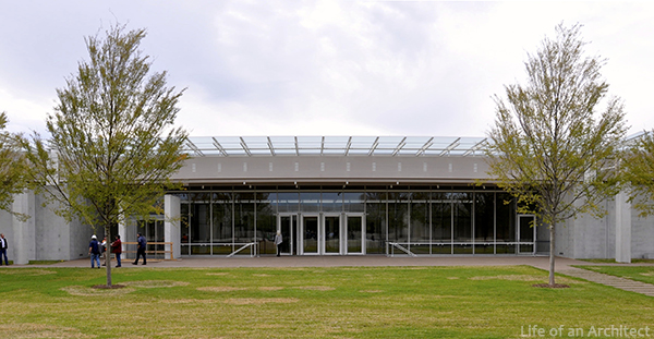 Renzo Piano Kimbell Museum front entry