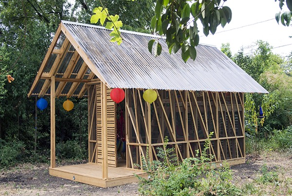 Dain Playhouse Finished Exterior 01