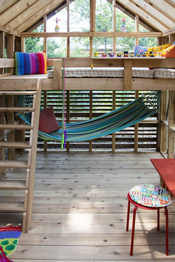 Dain Playhouse Finished interior 01