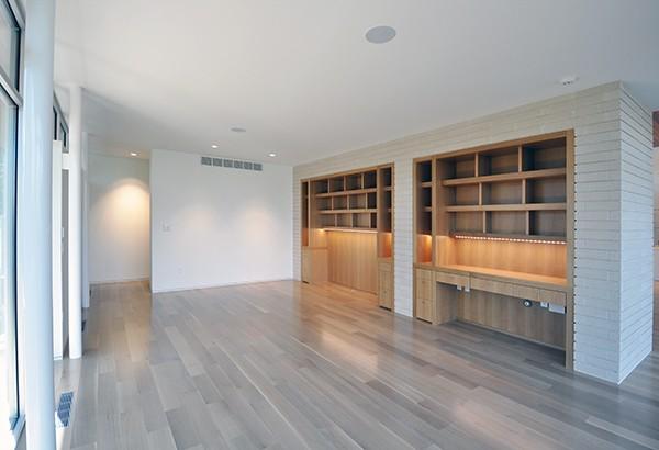 KHouse Modern Master Bedroom
