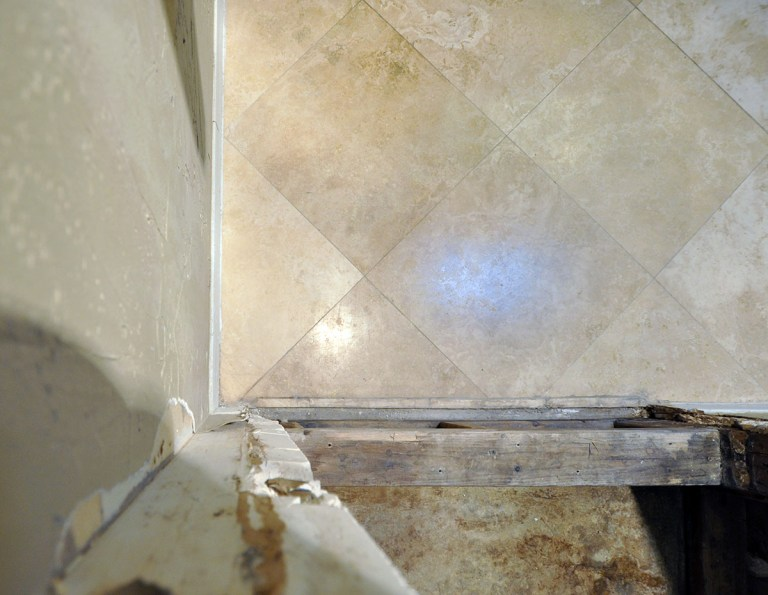 Master Bathroom tile layout 01