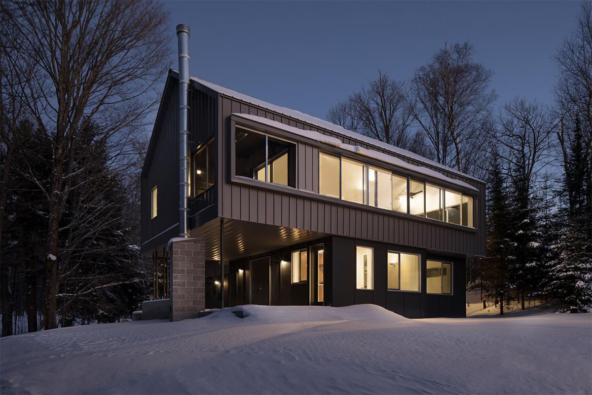 BSB Modern Cabin in Wisconsin