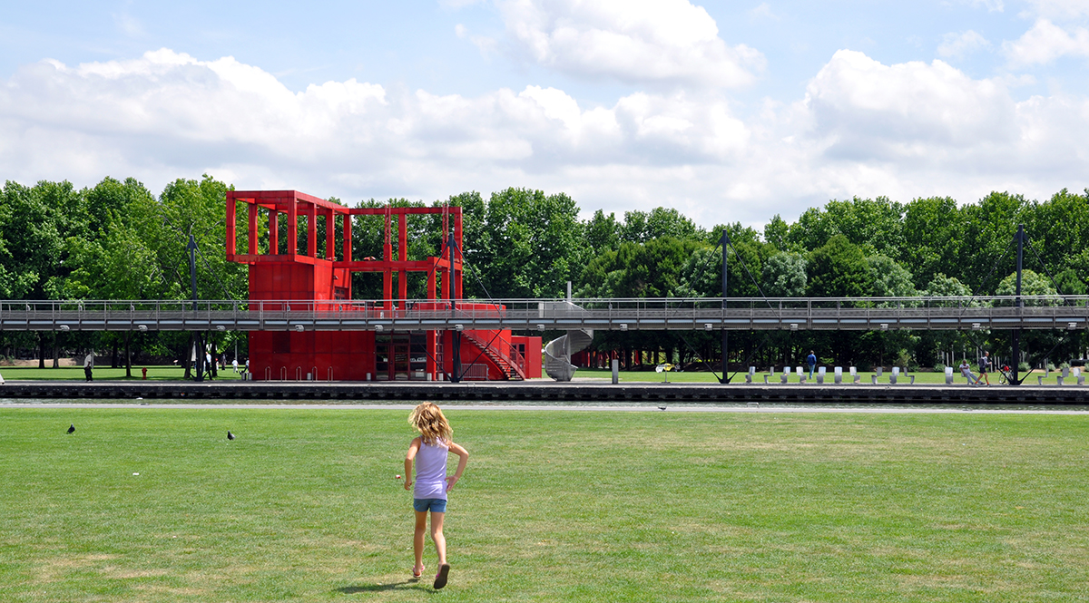 Kate Borson at Parc de la Villette 2010