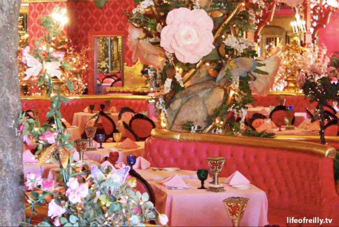 The uber-kitsch Madonna Inn and a taste of some of its furnishings!