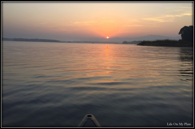 Waking up at the crack of dawn to go Canoeing on the Denwa River in Satpura National Park for a Sunrise like this: Priceless!