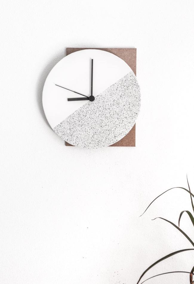 10 Beautiful DIY Clocks