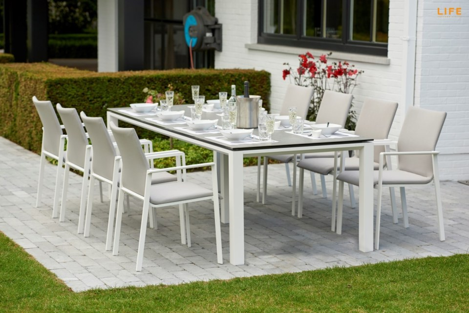 Concept dining white