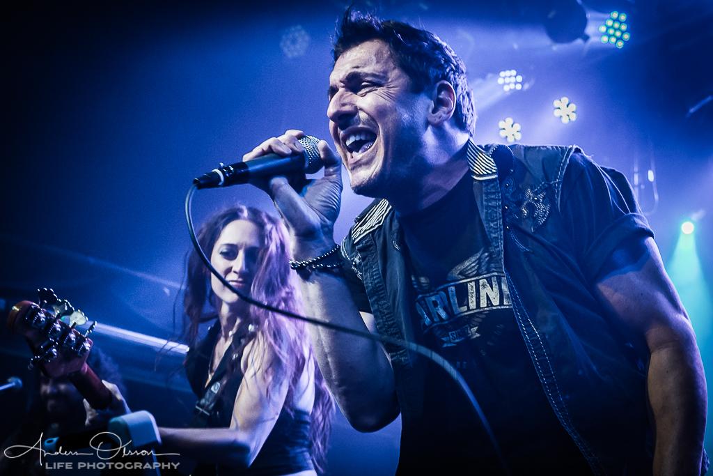 Hardline - Johnny Gioeli, Anna Portalupi,