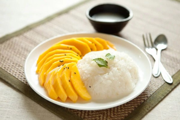 Mango Sticky Rice - Top Cheapest Foods In The World