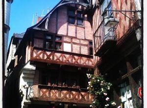 Chinon architecture