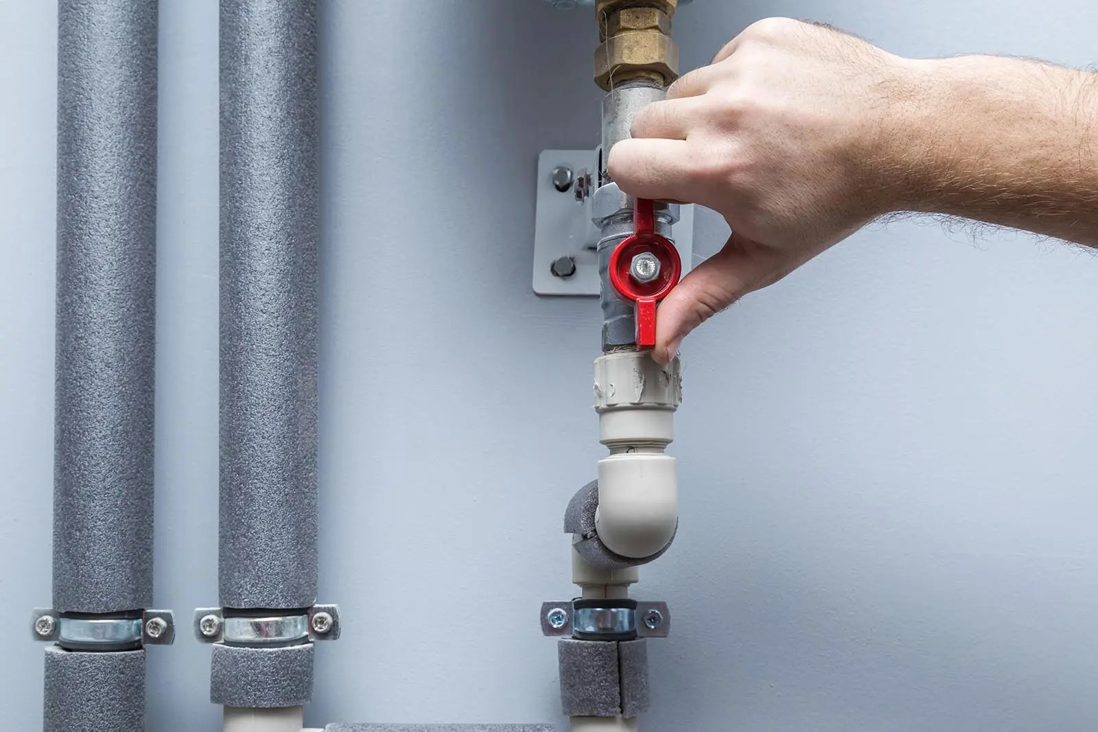 how to shut off your water supply and