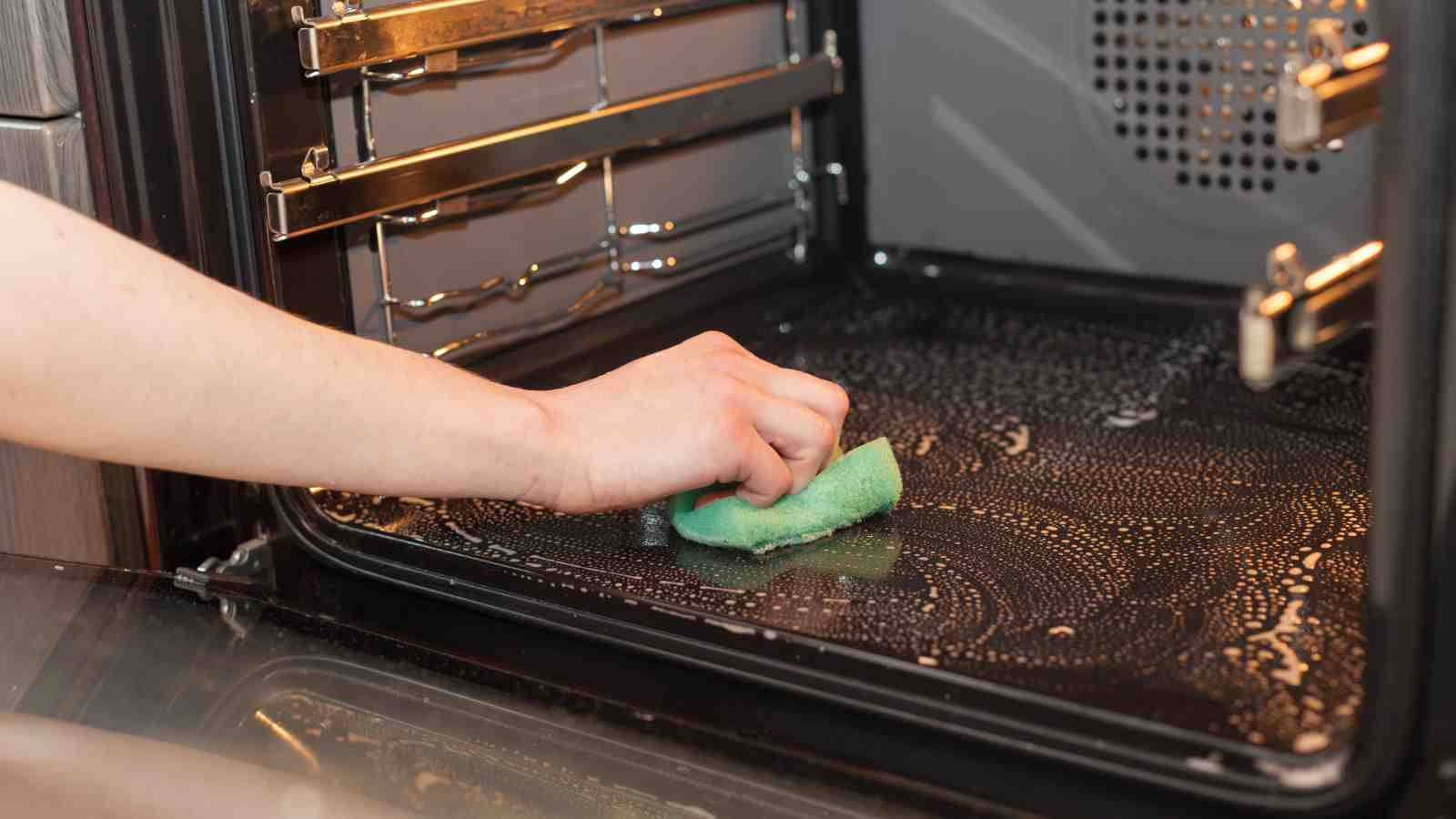 how to clean your oven inside and out