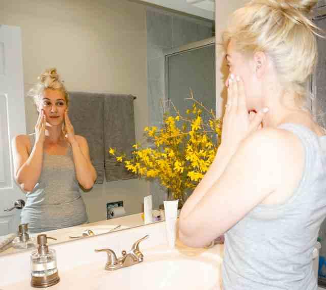 skin care must do, moisturize