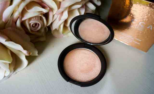Becca & Jaclyn Hill 'Champagne Pop' Highlighter