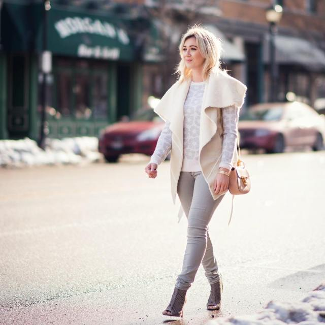 Light & neutral look on lifescandyjar.com today | www.liketk.it/283Ft #liketkit #ootd #framedenim #chloe #blanknyc #equipment