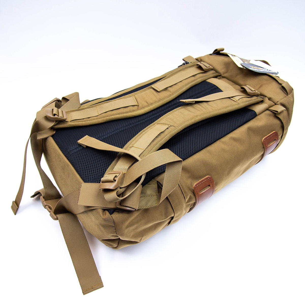 Wilderness Experience Better Wrap Around Backpack Coyote 狼棕色 35L 大容量山系背囊 - 背囊 Backpack ...