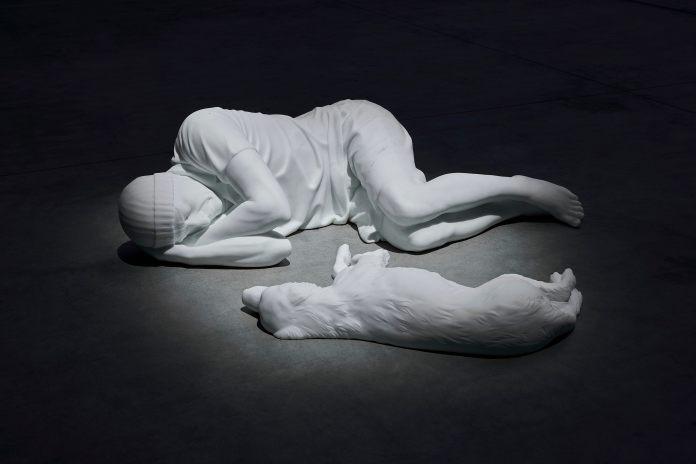 Maurizio Cattelan HangarBicocca mostra Milano