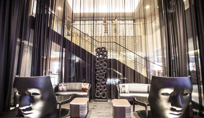 The Rendezvous Hotel, Singapore – An Art-inspired Couple Getaway!