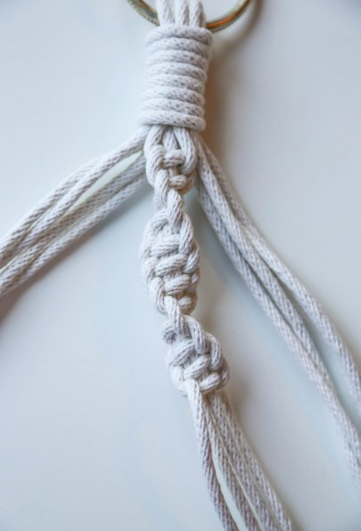 macrame double knot spiral
