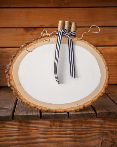 Outdoor Fall Decorating Ideas - white painted wood slice pumpkin diy