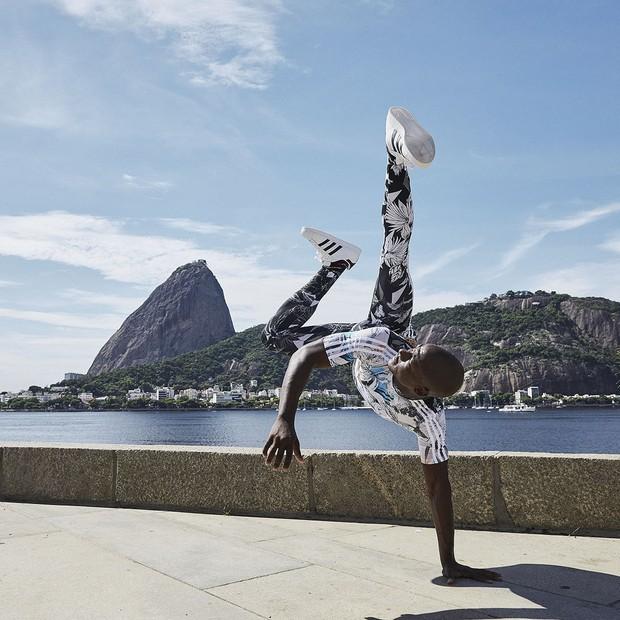 4e67d17f45b Farm e adidas provam que estampas e sportswear são a combinação perfeita –  LIFESTYLE BRAZIL