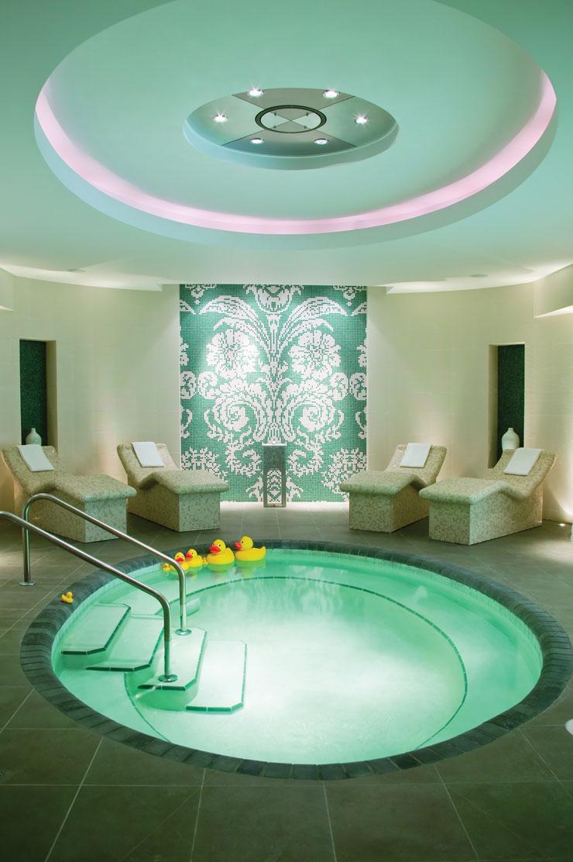 spa-bath-lounge_0.jpg