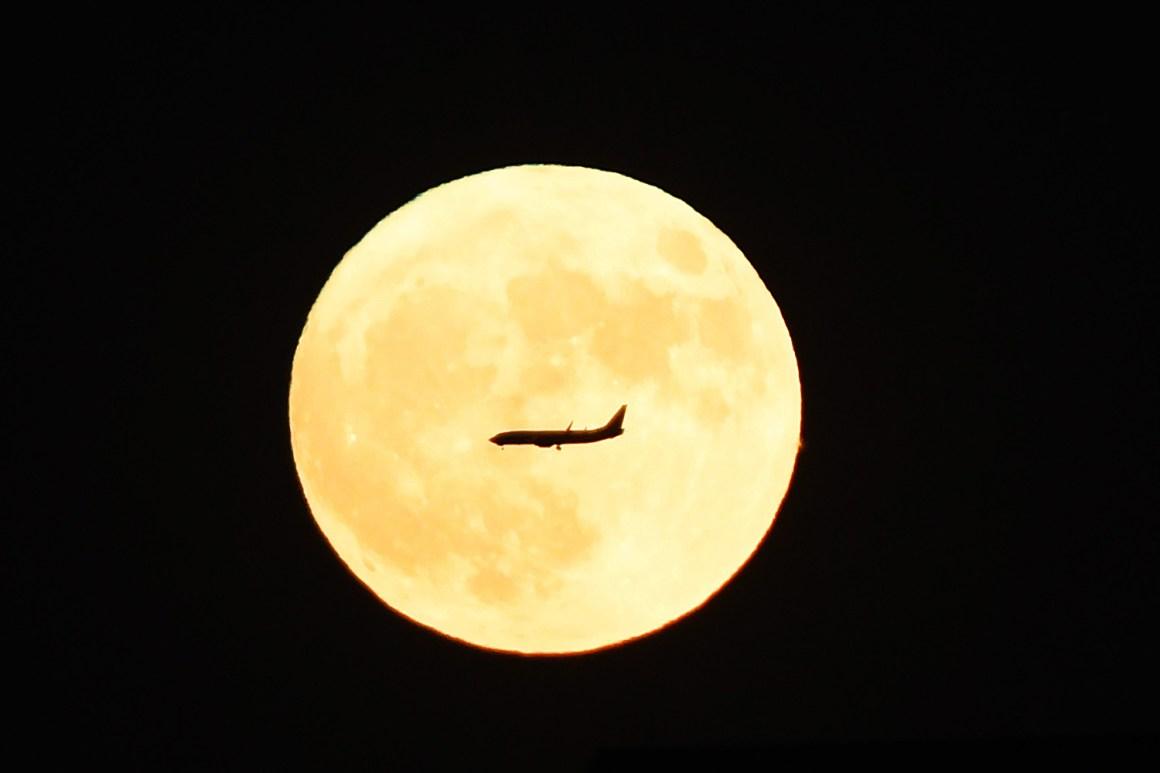 super-lua-pelo-mundo-20161114-0005.jpg