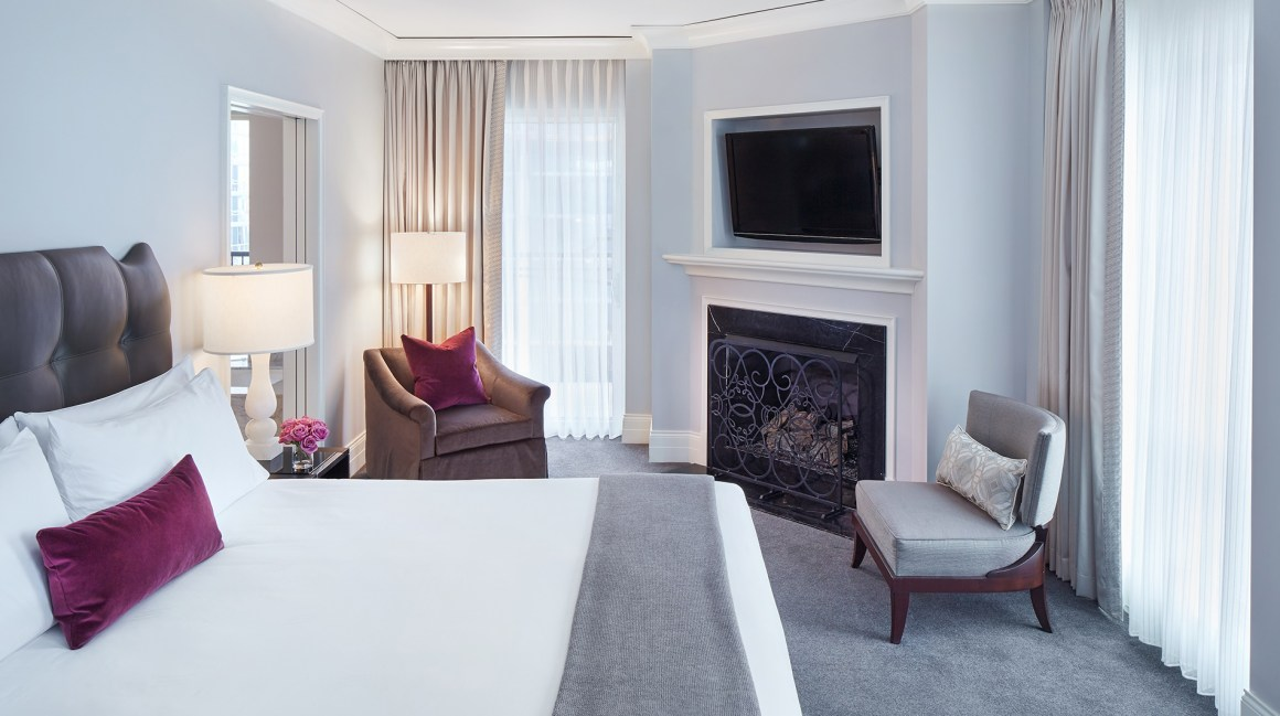 waldorf-astoria-chicago-premier-terrace-king-guest-room