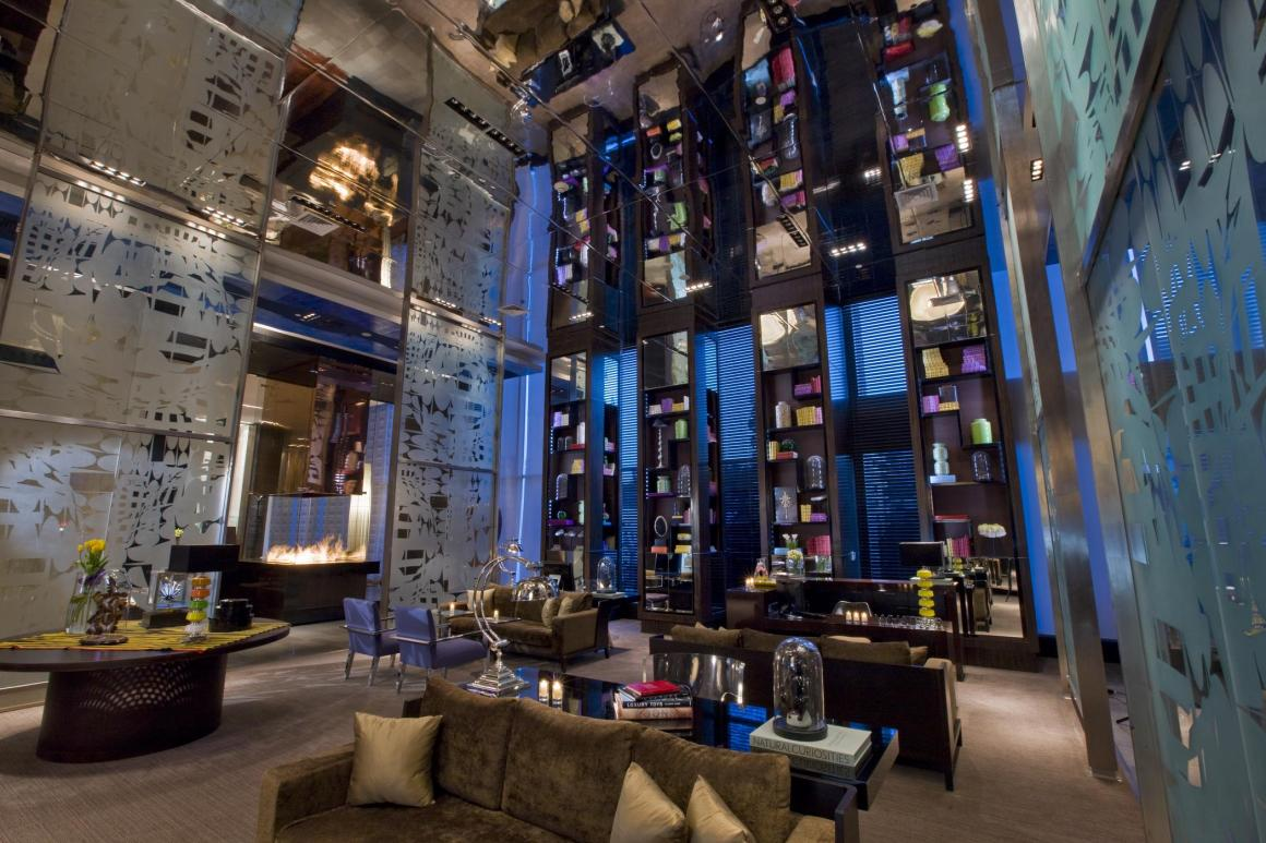 6825-w-hotel