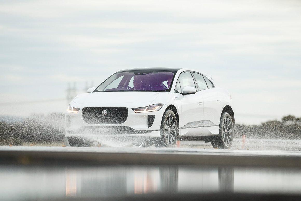 jaguar-i-pace-splash