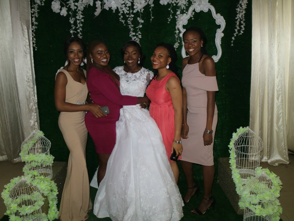 pictures with the bride